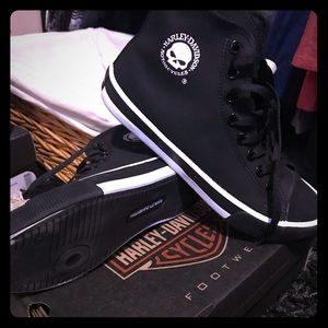 1ecfb0c41f26 Harley Davidson Converse read carefully for size